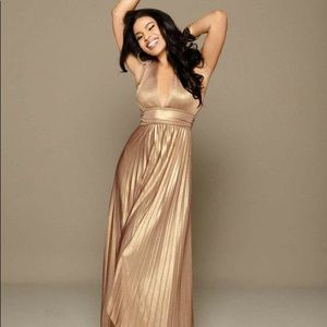 Bebe gold maxi halter dress, size Small